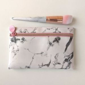 NWOT F.A.R.A.H. 160 Face Brush & Marble Bag